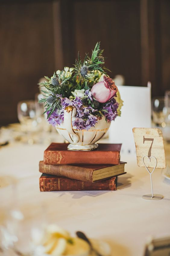 Vintage Wedding Centerpieces That Take Your Wedding to a New Level 010