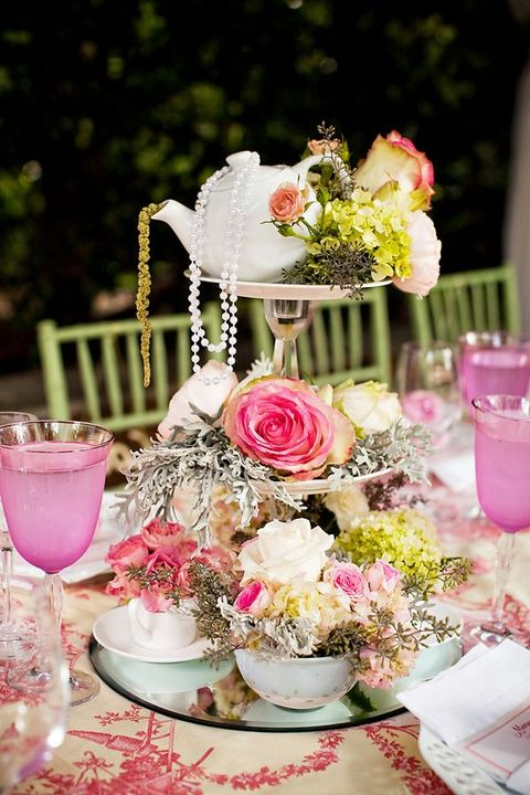 Vintage Wedding Centerpieces That Take Your Wedding to a New Level 012