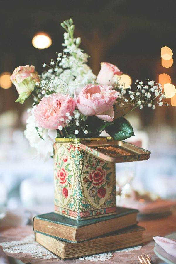 Vintage Wedding Centerpieces That Take Your Wedding to a New Level 021