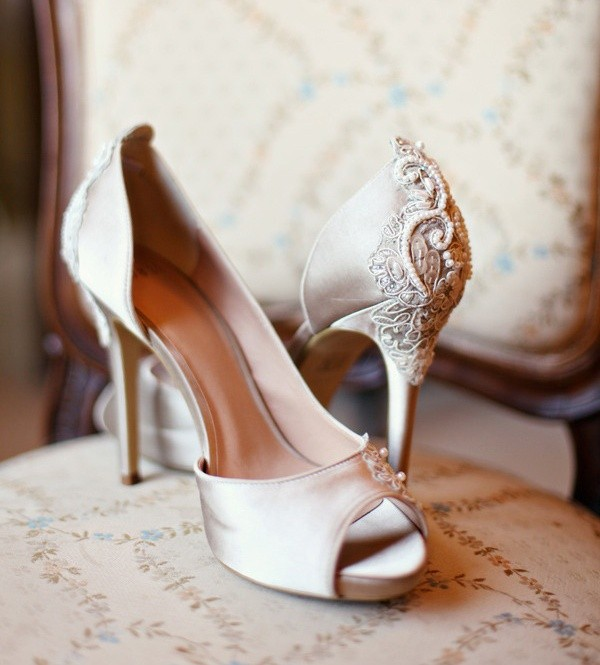 Stylish and Charming Nude Wedding Shoes to Love 006