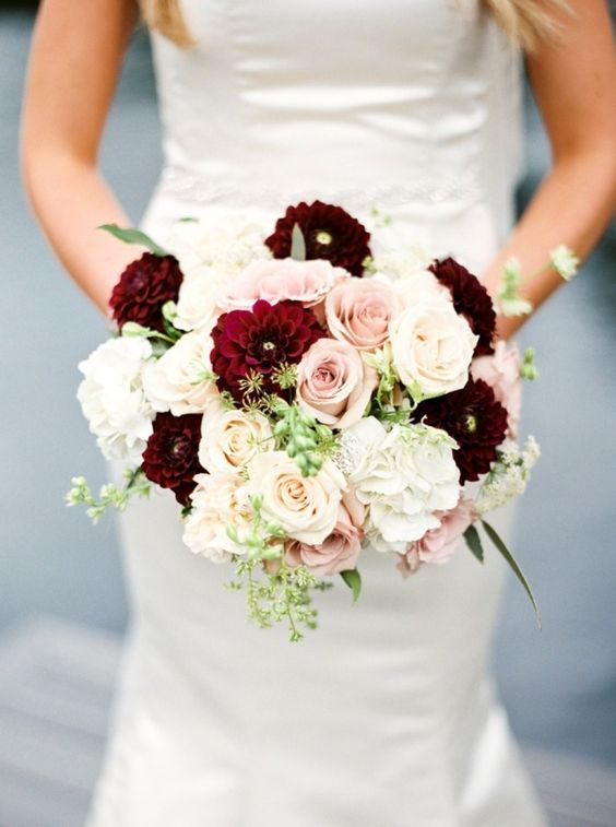 Burgundy and Blush Wedding Bouquet Ideas for Fall Weddings