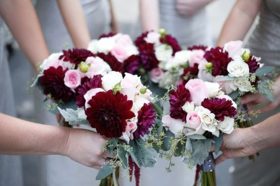 16 Elegant Burgundy and Blush Wedding Bouquet Ideas_014