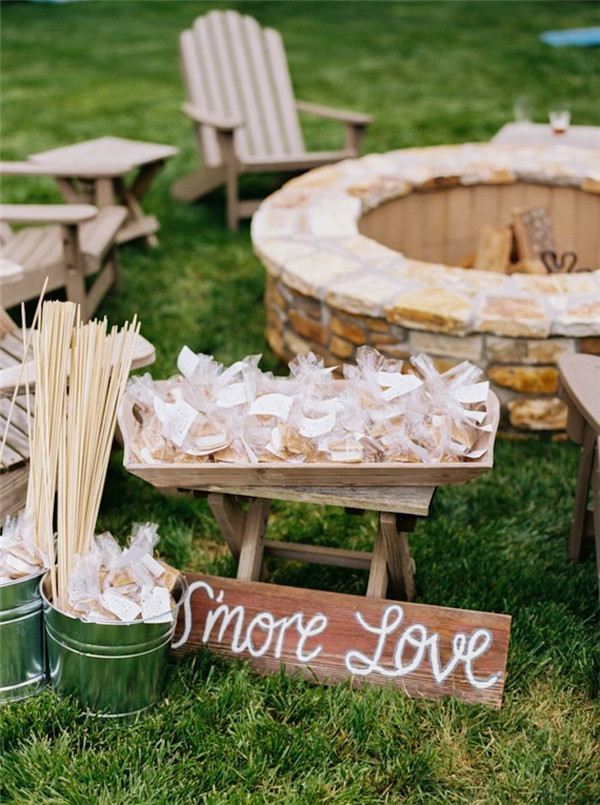 Sweet Ideas For Intimate Backyard Outdoor Weddings