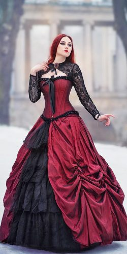 18 Non Traditional Black Gothic Wedding Dresses To Love 016