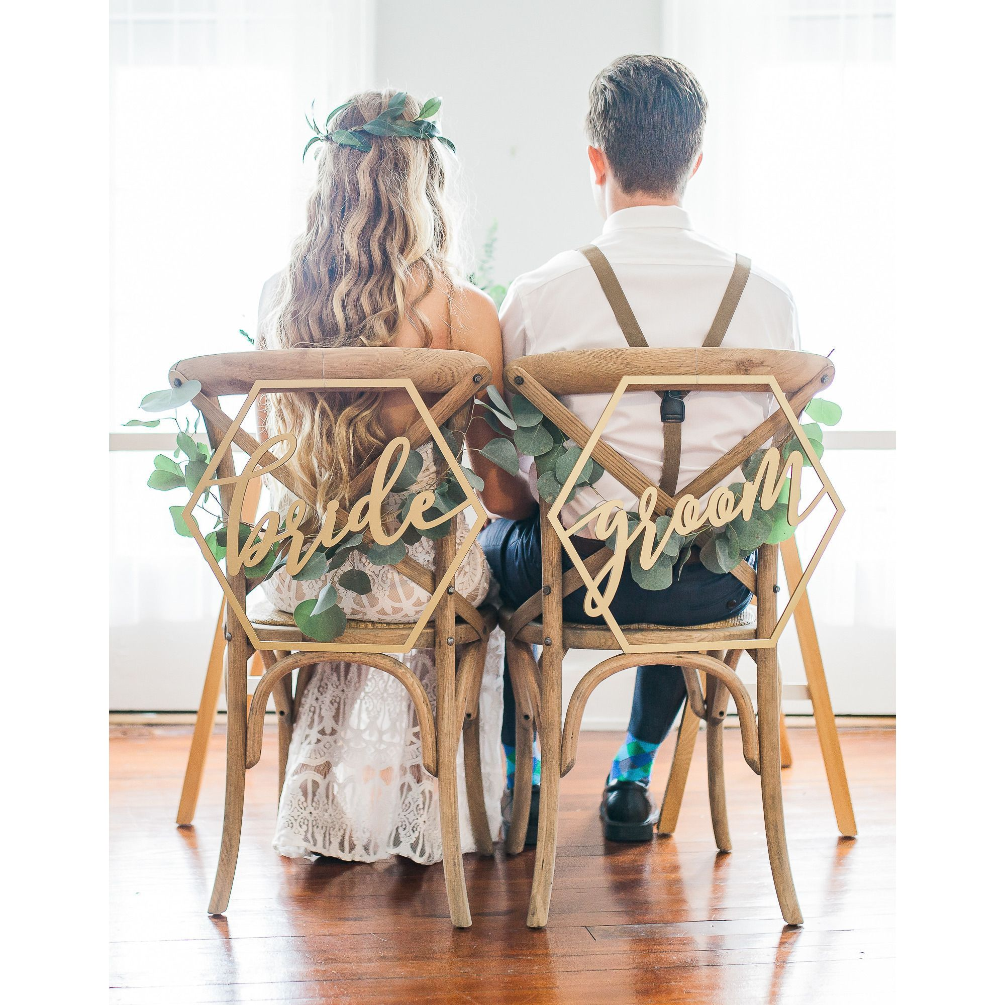20 Chic Wedding Chair Decoration Ideas for Bride and Groom