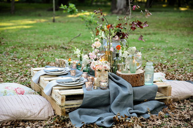 Budget Friendly Picnic Wedding Reception Ideas_009