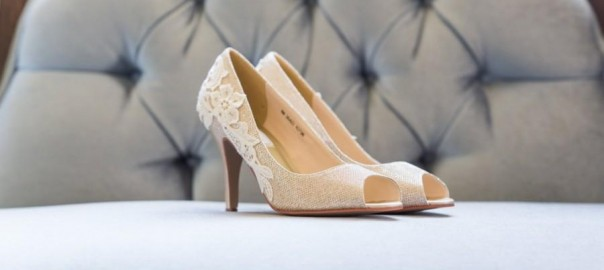 Drop-Dead-Gorgeous GOLD Wedding Shoes Ideas_6