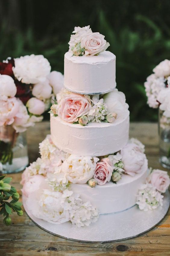 20 Most Romantic Floral Wedding Cakes You Can Imagine