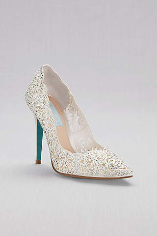 22 Breath-taking Ivory Wedding Shoes for Your Dress c6e6bf38d3