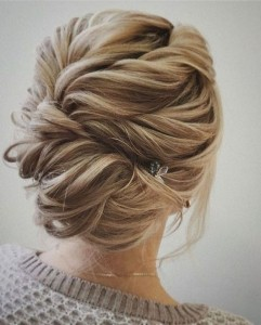 Chic and Stylish Wedding Hairstyles for Short Hair_02