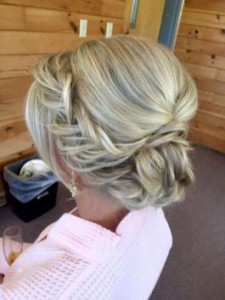 Chic and Stylish Wedding Hairstyles for Short Hair_03