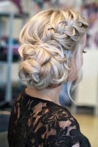 Chic and Stylish Wedding Hairstyles for Short Hair_07