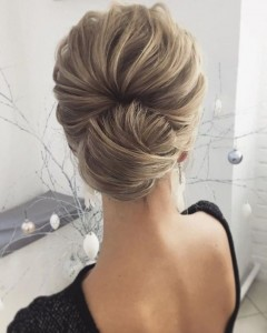 Chic and Stylish Wedding Hairstyles for Short Hair_10