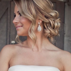 Chic and Stylish Wedding Hairstyles for Short Hair_13