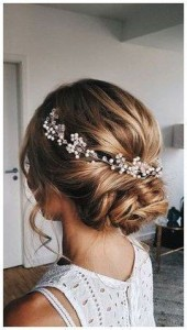 Chic and Stylish Wedding Hairstyles for Short Hair_19