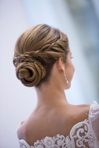 Chic and Stylish Wedding Hairstyles for Short Hair_23