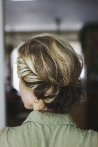 Chic and Stylish Wedding Hairstyles for Short Hair_27