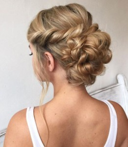 Chic and Stylish Wedding Hairstyles for Short Hair_30