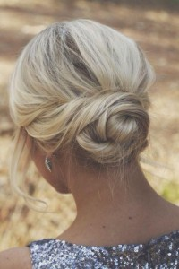 Chic and Stylish Wedding Hairstyles for Short Hair_35