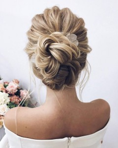 Chic and Stylish Wedding Hairstyles for Short Hair_36