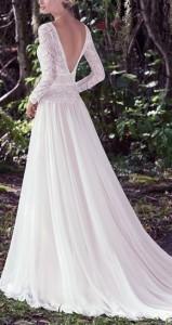 How to Choose Amazing Beach Wedding Dresses04