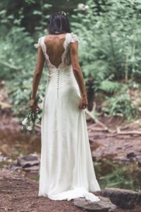 How to Choose Amazing Beach Wedding Dresses05