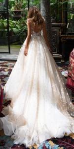 How to Choose Amazing Beach Wedding Dresses14