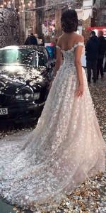How to Choose Amazing Beach Wedding Dresses17