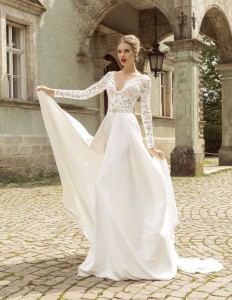 How to Choose Amazing Beach Wedding Dresses25
