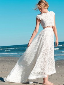 How to Choose Amazing Beach Wedding Dresses26