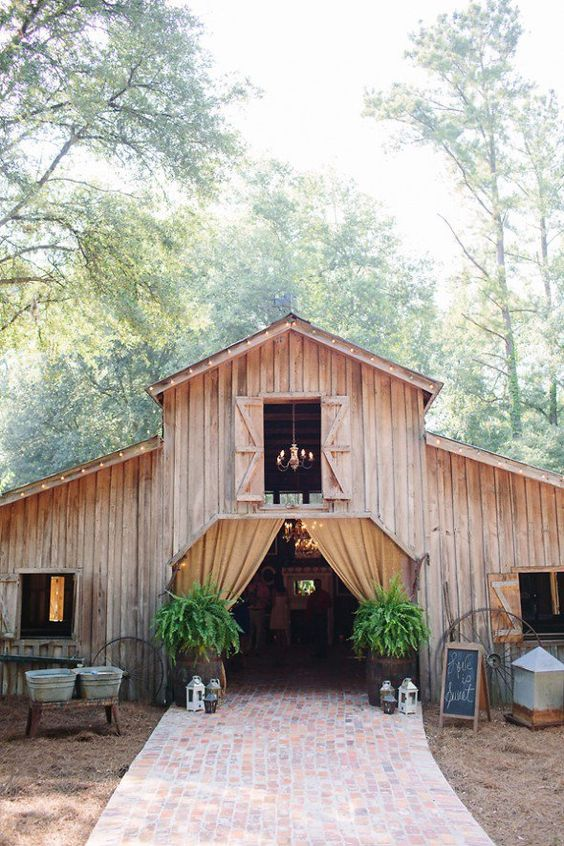 Chic Wedding Reception Ideas to Have a Great Wedding (15)
