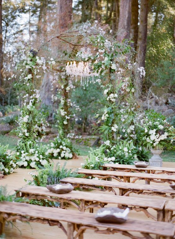 Chic Wedding Reception Ideas to Have a Great Wedding (16)
