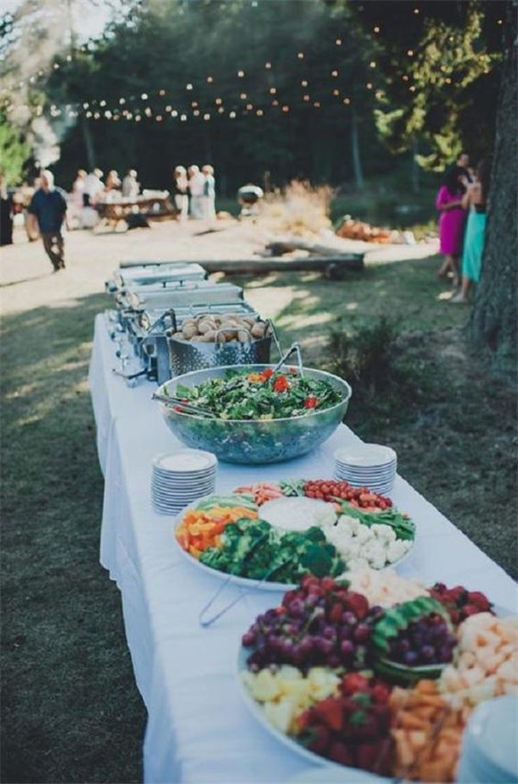 Backyard Wedding Decor Ideas On a Budget