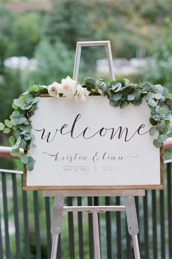 Look So Glamorous In This Glittering Garden Wedding!