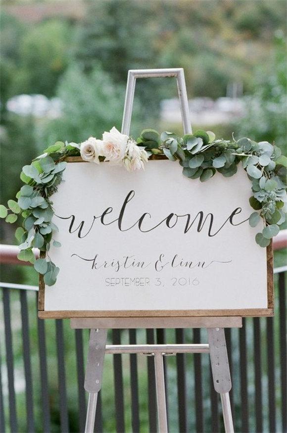 Look So Glamorous In This Glittering Garden Wedding!