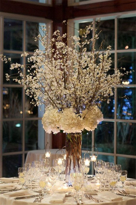 Drop Dead Gorgeous Winter Wedding Centerpiece