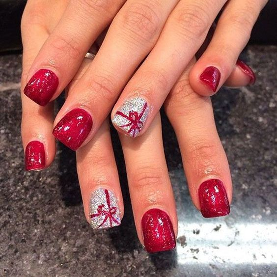 Christmas Nail Art Design Ideas That Are In Trend_12