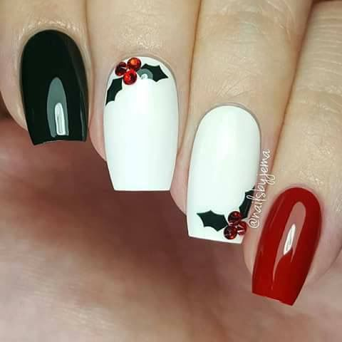 Christmas Nail Art Design Ideas That Are In Trend_16