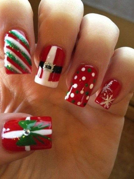 Christmas Nail Art Design Ideas That Are In Trend_17