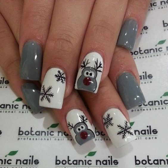 Christmas Nail Art Design Ideas That Are In Trend_18