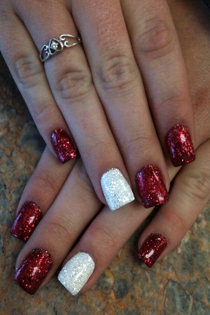 Christmas Nail Art Design Ideas That Are In Trend_3