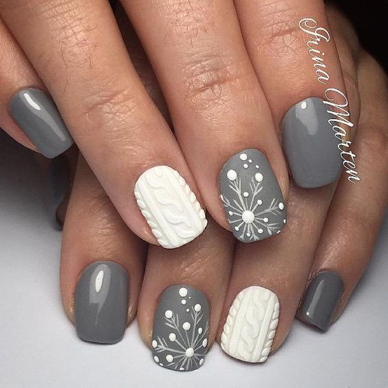 Christmas Nail Art Design Ideas That Are In Trend_4