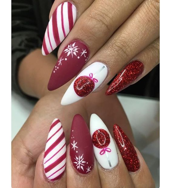 Christmas Nail Art Design Ideas That Are In Trend_9