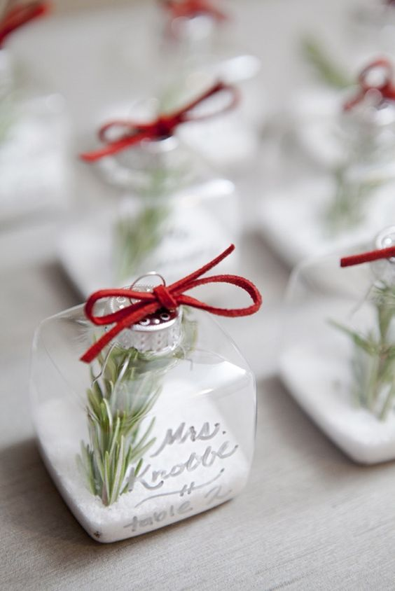 $2 winter wedding favors that you can buy or DIY