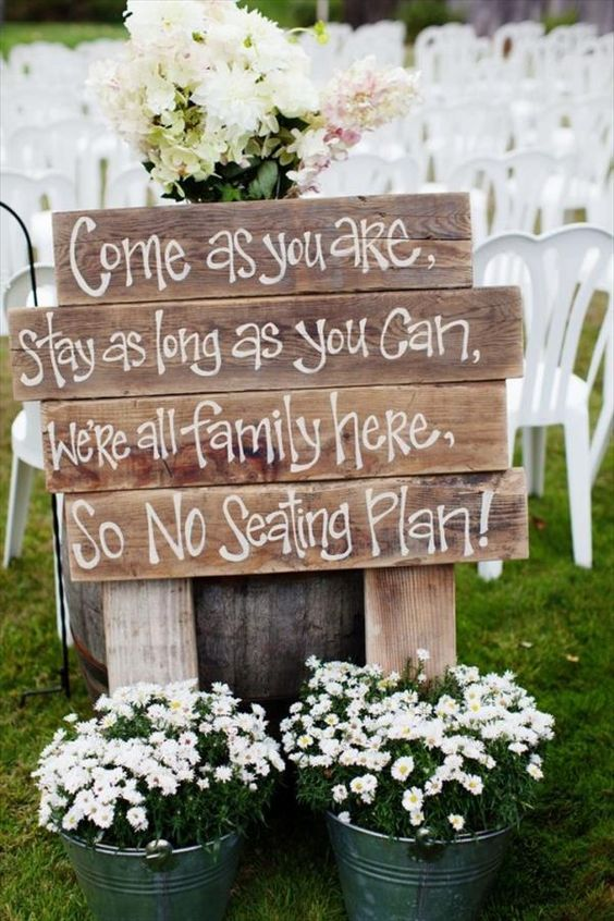 DIY Pallet Sign Ideas For Wedding