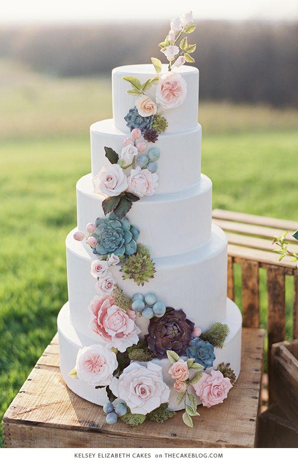 Eye-catching Spring Wedding Cake Ideas to Blow Your Mind Away