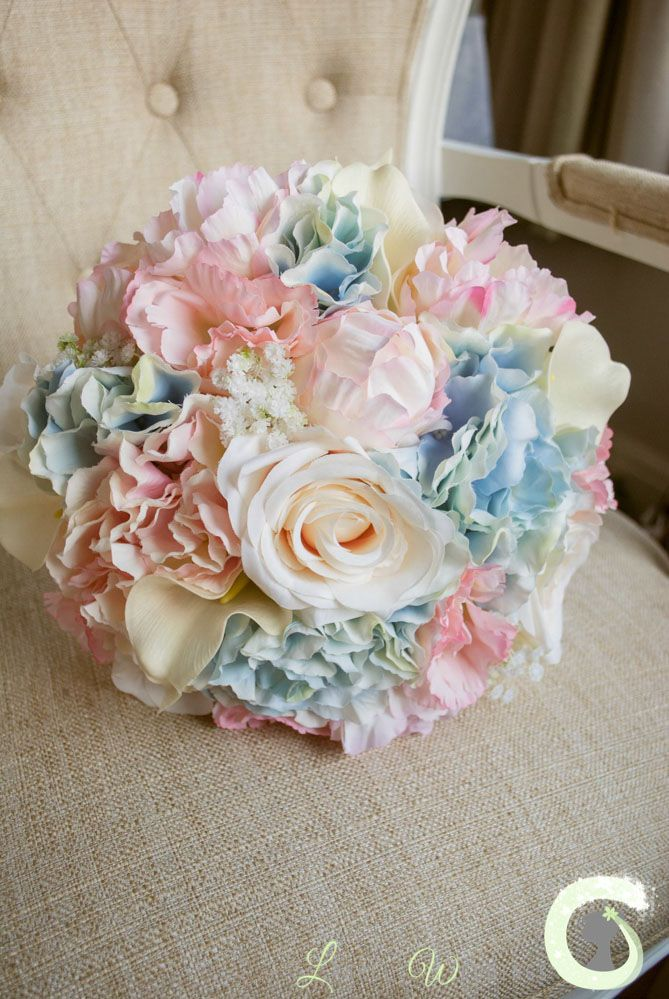 Summer Wedding Color Combos to Rock - Pink and Blue
