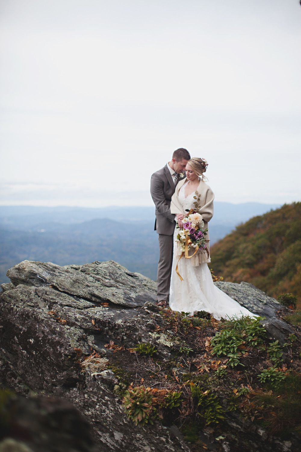 Breath-taking Mountain Wedding Photo Ideas