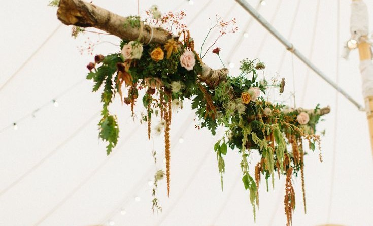 Breathtaking Hanging Wedding Decorations to Rock 1797137202779400960