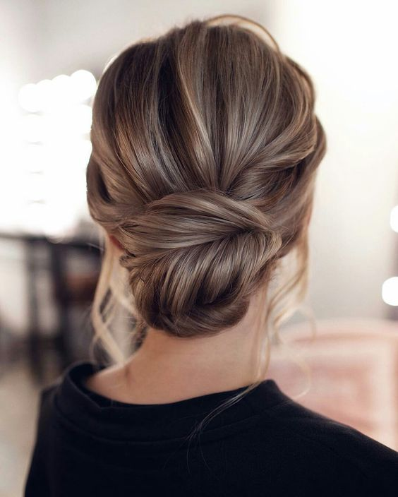 Chic Updo Wedding Hairstyles That Never Fail